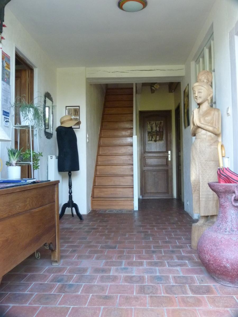 Hall d'accueil et accès à l'étage